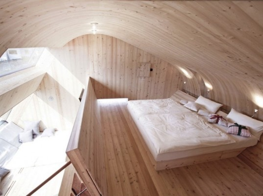 Peter Jungmann, Tiny Cabin, Tiny Home, Tiny House, Tiny Holiday Home, Tiny Holiday Cabin, Uvogel, ufogel, tiny house, holiday home, Tyrolean Mountains, larch wood, austrian landscape, minimalist design, wooden shower, wood burning stove, compact wood house, compact house, tiny home