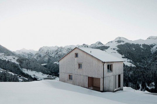 green design, eco design, sustainable design, Bernardo Bader Architects, Glatthorn, Zaferhorn, Haus Fontanella, wooden house, geothermic well, sustainable pine, sustainable wood