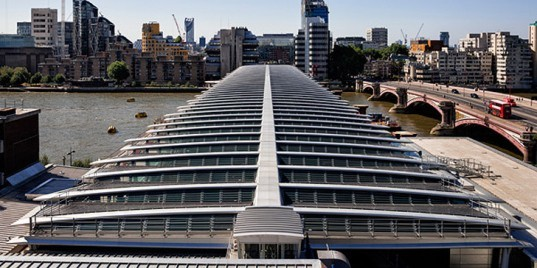 green design, eco design, sustainable design, photovoltaic panels, solar bridge, world's largest solar bridge, solarcentury, Blackfriars Bridge, Network Rail