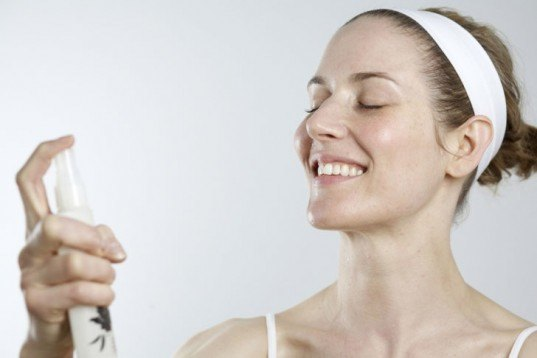 DIY: 5 All-Natural Facial and Body Mists to Battle Breakouts and Ultra Dry Skin