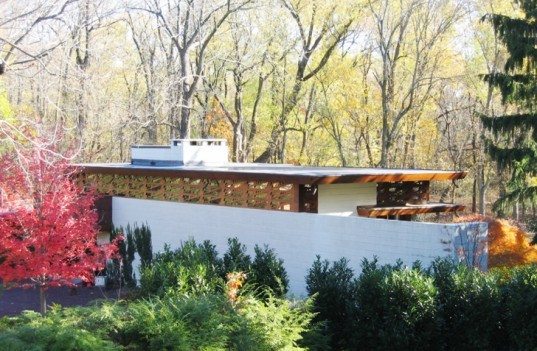 Crystal Bridges Museum of American Art, Frank Lloyd Wright Usonian house, usonian house, house restoration, green renovation, Bachman Wilson House, famous American architect, Usonian style architecture, natural materials, flooding