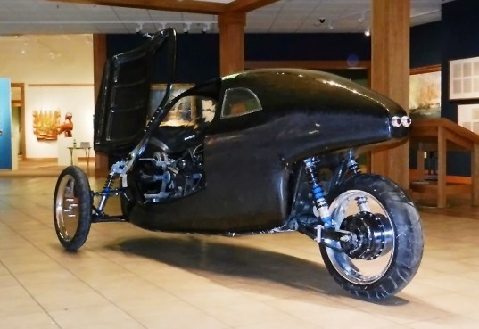 Minnesota-Based Duo Builds Three-Wheeled Hybrid Electric Vehicle That Gets 75 Miles Per Charge