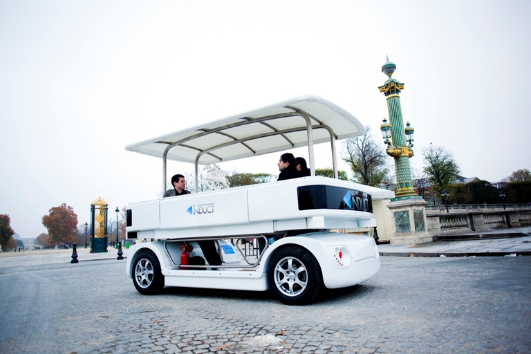 Navia World S First Commercial Driverless Electric Car Hits The Streets Won T Break Any Sd Records