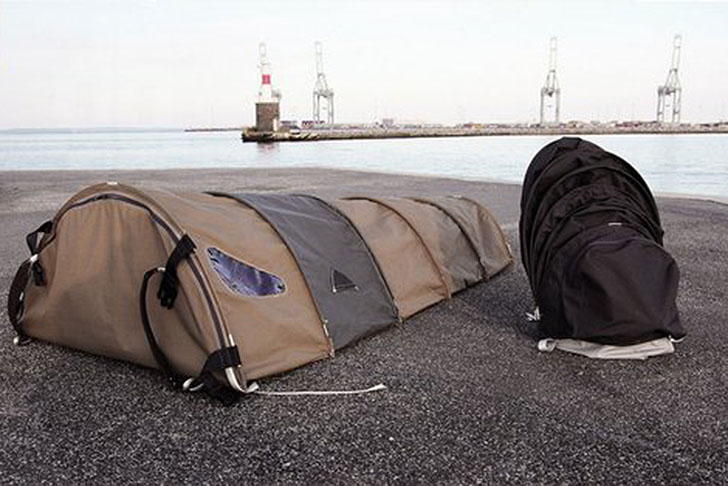 Design & Clever Backpack and Tent Hybrid Shelters Nomads and Homeless ...