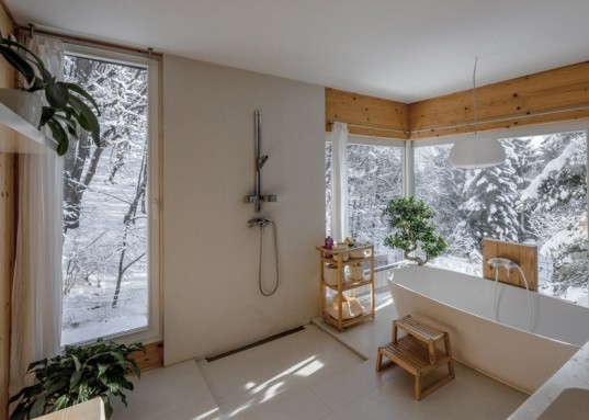 T2a Architects, photographer's house, architecture, Budapest architecture, Bence Turanyi, photographer Zsolt Batar, cabin built in two days, pilis forest, Budapest, Hungary, tiny homes, winter retreats, forest cabin, tiny cabins,