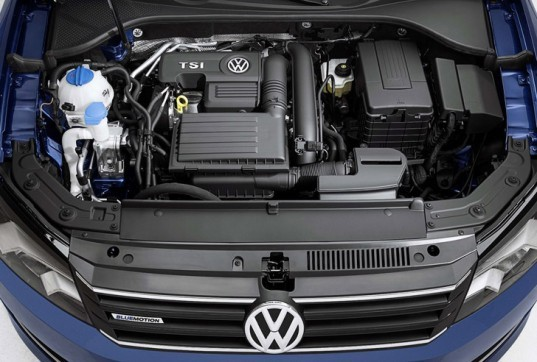 volkswagen, volkswagen passat, volkswagen passat bluemotion, 2014 detroit auto show, green car, green transportation, four-cylinder engine, mpg