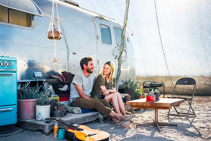 Inspiring Photos Reveal the Lives of People Living in Tiny Off-Grid Vehicles