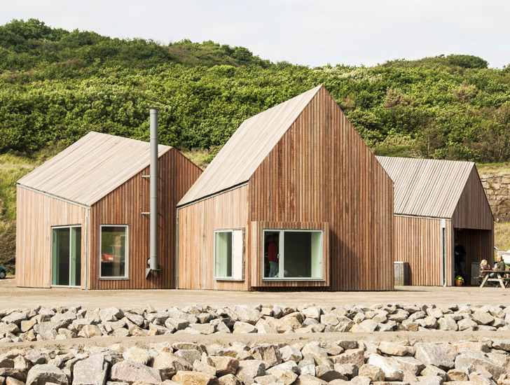 Cubo 39 s geometric wooden hammerhavn houses reflect danish for Wood house architecture design
