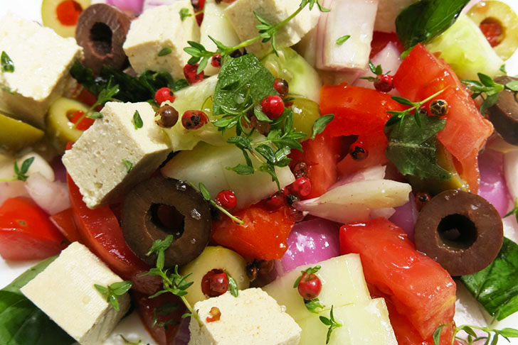 HOW TO: Whip Together a Healthy and Flavor-Packed Vegan Greek Salad