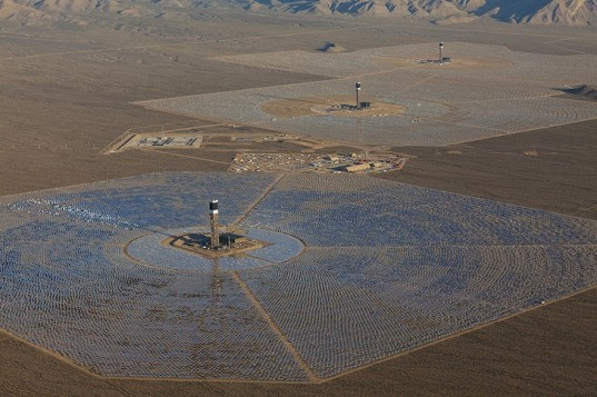 ivanpah, solar thermal plant, NRG Energy, Google, BrightSource Energy, clean energy, solar power, solar energy, heliostat, mojave desert, natural gas fire plants, california electric grid, california electricity, world's largest solar thermal plant