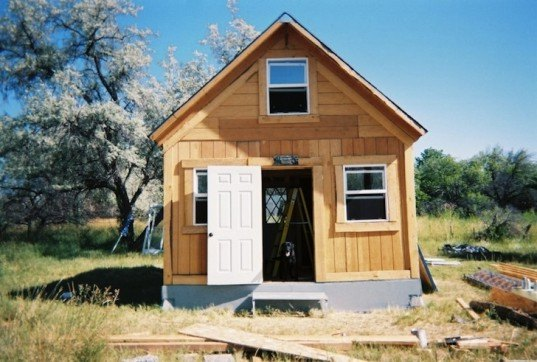 Author Builds Tiny Solar Powered Off Grid Cabin For Under