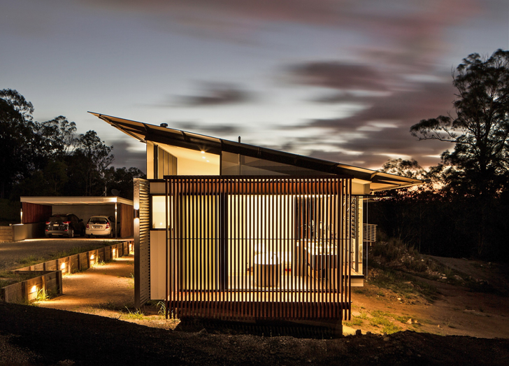 Louvered Wallaby House Maxmimizes Space And Energy Efficiency On