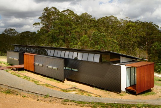green design, eco design, sustainable design, wallaby lane house, Robinson Architects, Louvered facade, efficient living, Sunshine Coast Australia, Tinbeerwah