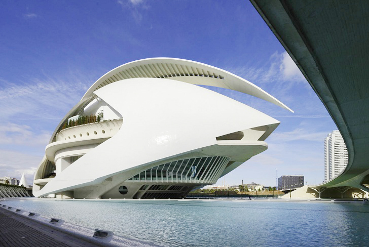 Graphene Paint Could Save Calatrava's Crumbling Valencia Opera House