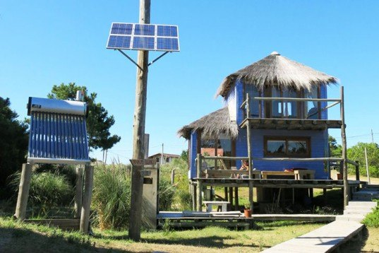 Solo Mare del Diablo, eco-accommodation, self-sufficient, Victoria Gonzales, punta del Diablo, Uruguay, off-grid, solar power, solar water heater, well for drinking water, Architecture, Daylighting, Solar Power, Renewable Energy, Green Materials, Green Holidays, Eco Travel,
