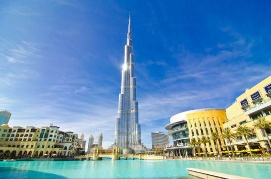 burj khalifa, burj dubai, dubai, united arab emirates, world's tallest building, middle east, financial crisis, unpaid fees, luxury housing, Emaar Properties, property law, legal disputes