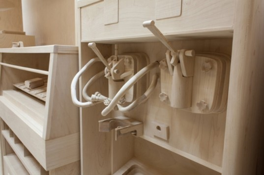 Roxy Paine, Kavi Gupta Gallery, Carcass fast food diorama, Emanuel Aguilar, fast food diorama, fast food franchise artwork, fast food restaurant wooden replica,