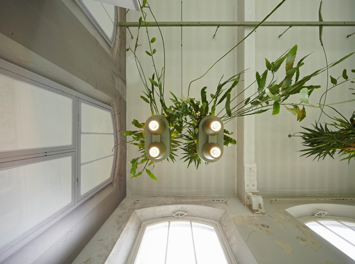 Roderick Vos Creates Hanging Potted Plants that Provide Oxygen ...
