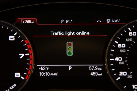 Audi, Audi traffic light recognition technology, audi traffic light information system, CES, audi technology, green car, green transportation, automotive technology, emissions
