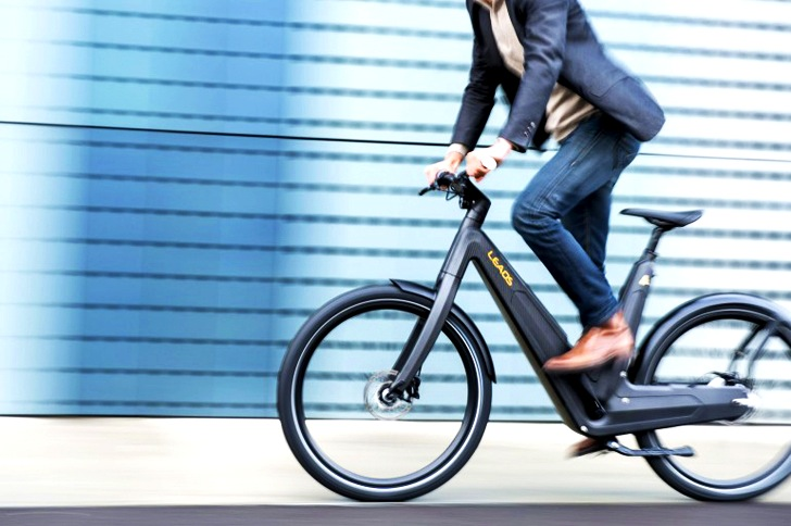 stylish leaos carbon e bike can travel for 2 5 hours on a single charge inhabitat green. Black Bedroom Furniture Sets. Home Design Ideas