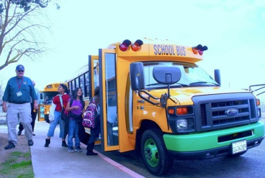 Trans Tech Bus, electric school bus, Kings Canyon Unified School District, green design, energy efficient transportation, green transport, green public transport, urban design, Trans Tech Bus' SST model, electric powertrain, Motiv Power Systems,