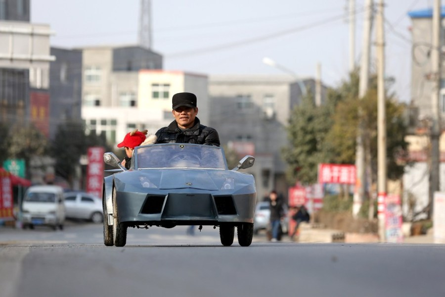 Chinese Man Builds Tiny, All-Electric Lamborghini to Take His Grandson to School