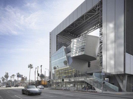Morphosis, emerson college, los angeles, sunset boulevard, emerson college satellite campus, Hollywood, thom mayne, leed gold, sun shading system, solar heat gain, entertainment industry