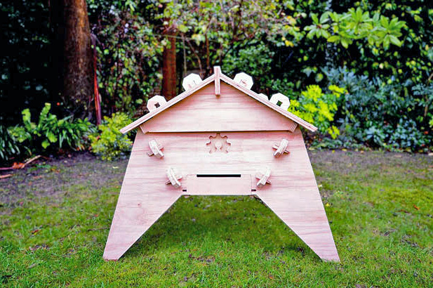 Open Source Beehives let Citizens Save Bees from their own Backyards