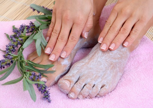 Foot care, foot soak, cream, moisturizer, deodorizer, feet, paws, hooves
