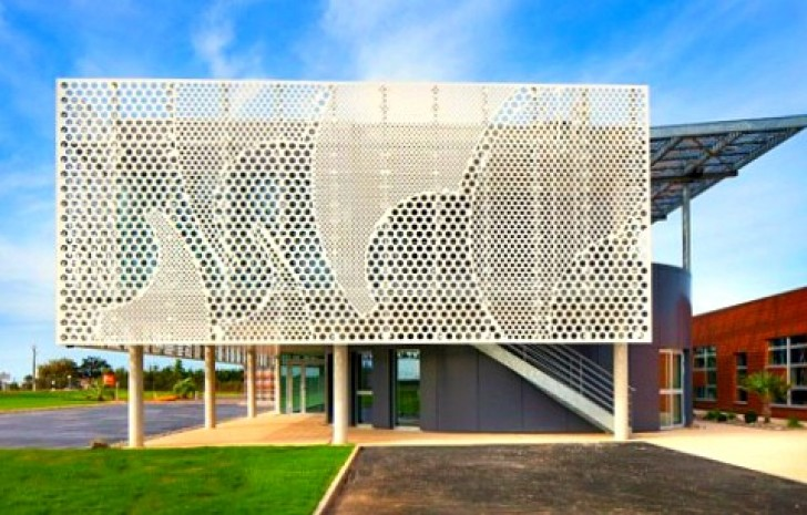 Pad Architects Wraps French Office With A Wavy Perforated