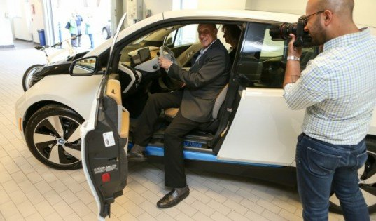 BMW, BMW i3, BMW electric car, electric car, green car, green transportation, electric motor, lithium-ion battery, BMW i8, BMW i