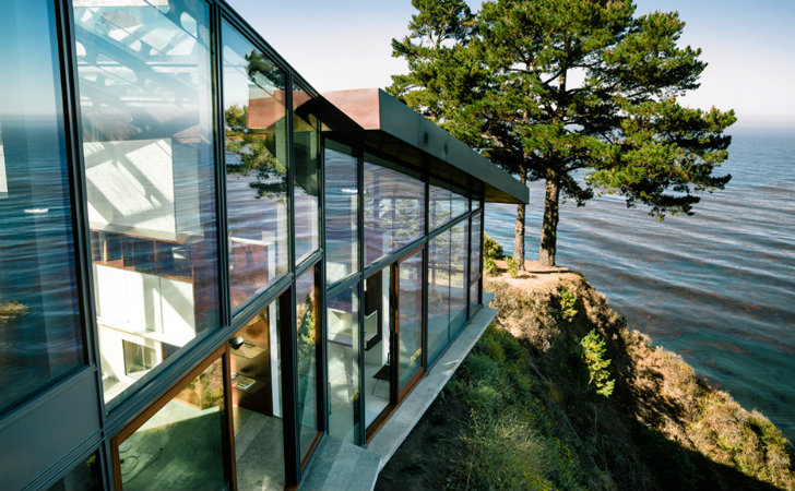 Gorgeous Sustainably-Built Fall House Conforms to the Landscape in Big Sur