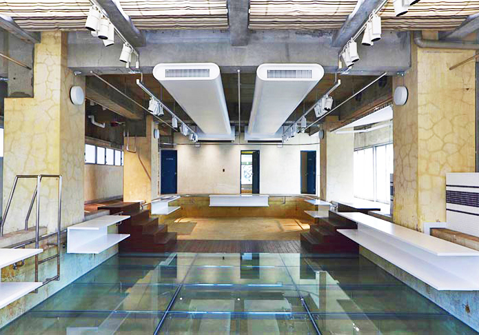 Nobuo araki turns 70s swimming pool into extraordinary for Pool design 1970