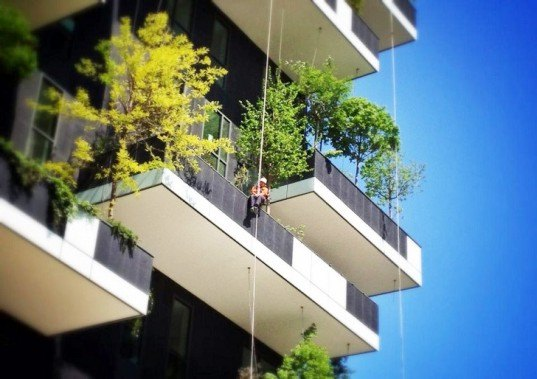 Stefani Boeri, Stefani Boeri vertical forest, bosco verticale milan, milan towers, milan green towers, vertical forest, vertical garden, green architecture, green towers, skyscraper design, italian architects, italian architecture, air pollution milan, lower air pollution, green facades, green tower facades, sustainable towers