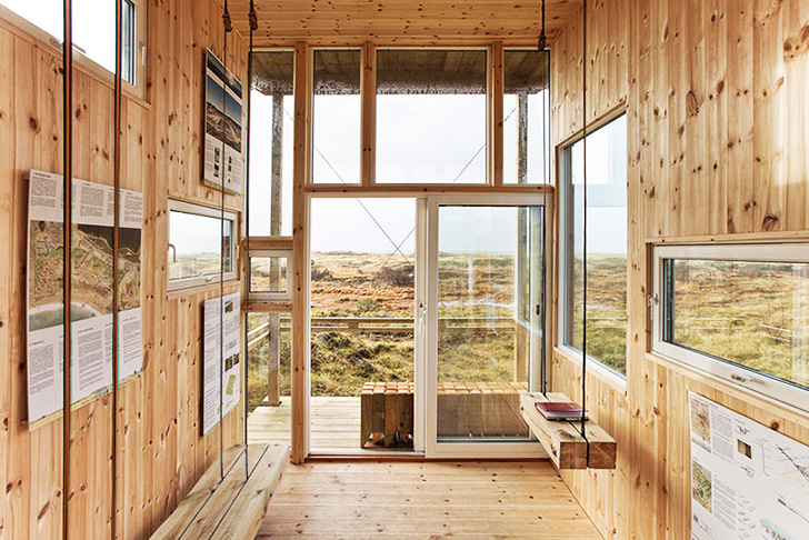 Cabin Made With Windows : Stunning cabin made from recycled windows overlooks the