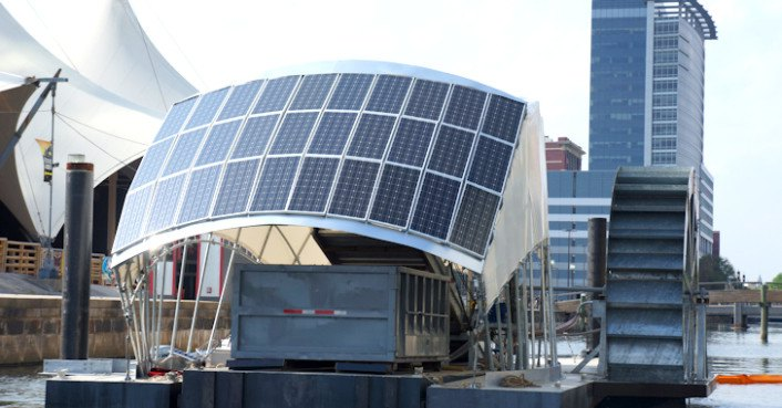 Baltimore's Solar-Powered Water Wheel Can Devour 50,000 Pounds of