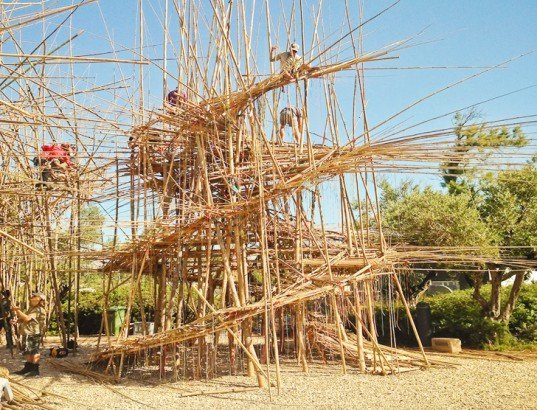 Mike and Doug Starn, largest bamboo structure, bamboo installation, bamboo art, art installation, Israel Museum art, Israel Museum bamboo installation, green building materials, light-weight materials, twin artists, Jerusalem art exhibition