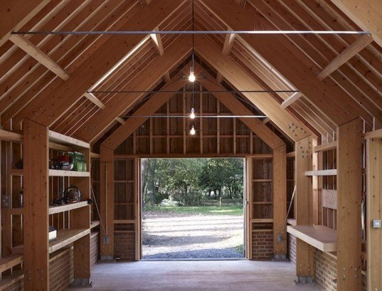 green design, eco design, sustainable design, Cassion Castle, Tom Lloyd, Long Sutton Studio, Hampshire, barn house, traditional craftsmanship