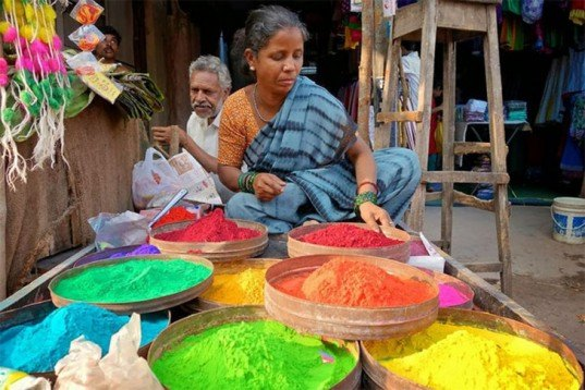 Rangoli, Indian street Art, colored Flour, colored Sand, natural dyes, folk-art tradition, Indian festivals, good luck, for celebrations, green materials, art