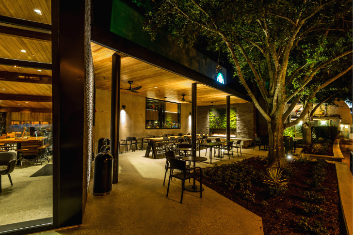 Starbucks 500th Leed Certified Store Boasts A Roof Of