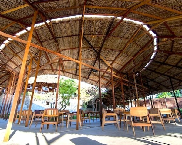 nha trang, vietnam, coffee shop, salvaged materials, salvaged wood, a21 studio, scrap wood, recycled materials, salvaged ring, sustainable building, tenon, mortise, natural ventilation, solar heat gain, interior courtyard