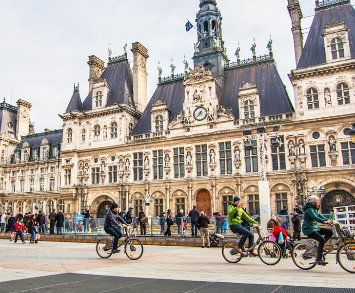 France is Paying Commuters to Bike to Work!