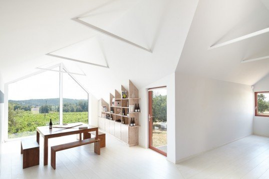 h2o architecte, domaine la cabotte, southern france, locally sourced materials, locally sources wood, mont ventoux, vineyards, architecture, timber cabin, small cabin, wooden cabin, wooden structure, wine tasting