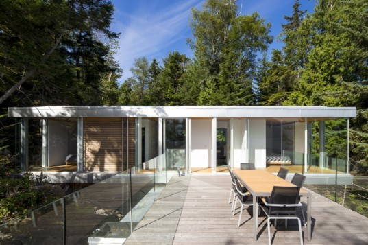 green design, eco design, sustainable design, mcfarlane green biggar, office of mcfarlane bigger architecture, cantilevered home, gambier island, glass cabin