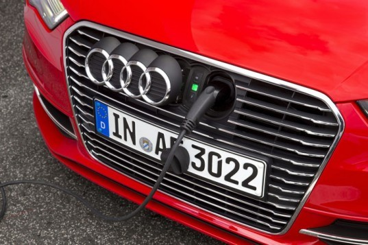 Audi, Audi A3, Audi A3 e-tron, Audi A4, Audi A4 e-tron, Audi e-tron, Audi plug-in hybrid, Audi hybrid, electric vehicle, plug-in hybrid, green car, green transportation, electric moto