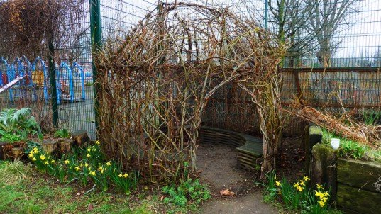 willow dome, bio-architecture, living structure, living dome, permaculture, bio-dome, eco-architecture