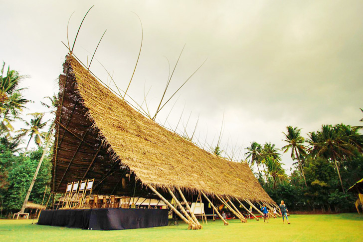 Architecture & The Green Schoolu0027s Magnificent Bamboo Tent is Made from Locally ...