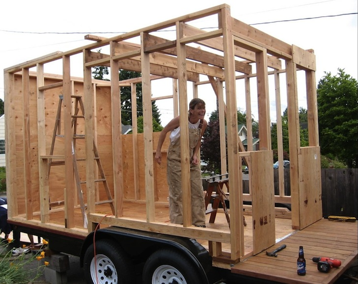 Interview tiny house pioneer dee williams discusses for How to build a tiny house on a trailer