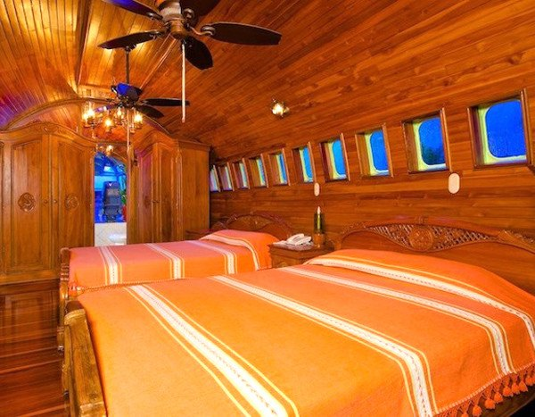 Costa Rican Airplane Hotel Takes Flight