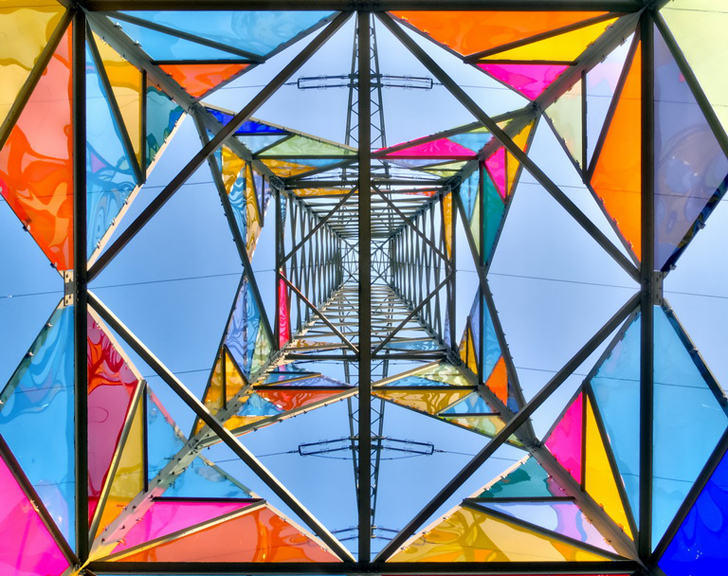 Students Transform a Boring Electrical Tower into an Inspiring Stained Glass Lighthouse